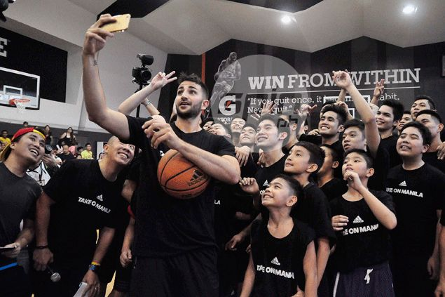 Ricky Rubio connects with Pinoy hoop fans after admitting enjoying a round of fishballs
