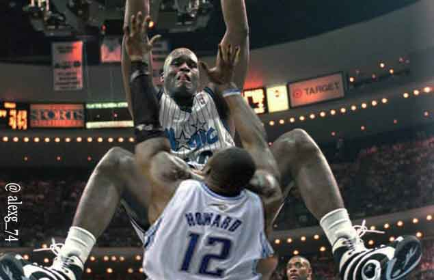 Shaq trolls Dwight Howard with photoshopped dunk on Facebook, claims he's the only Superman