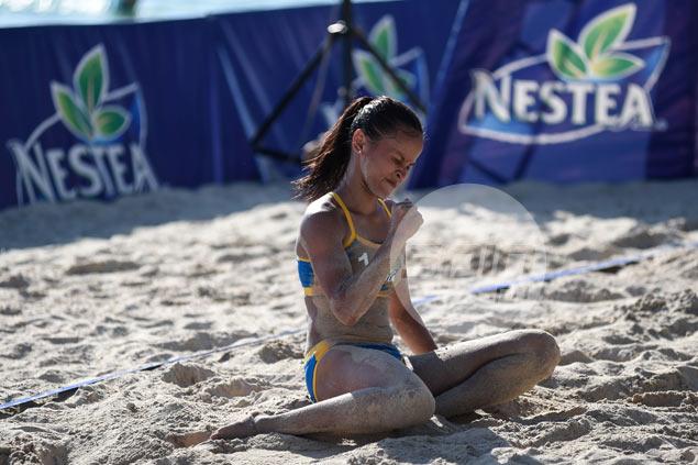 UST, University of Mindanao Tagum advance to Nestea Beach Volley semis