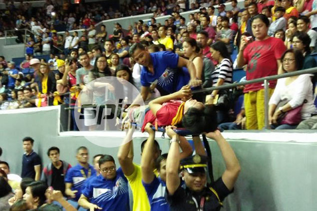 San Miguel suffers yet another knee injury in PBA Finals - this time on a fan