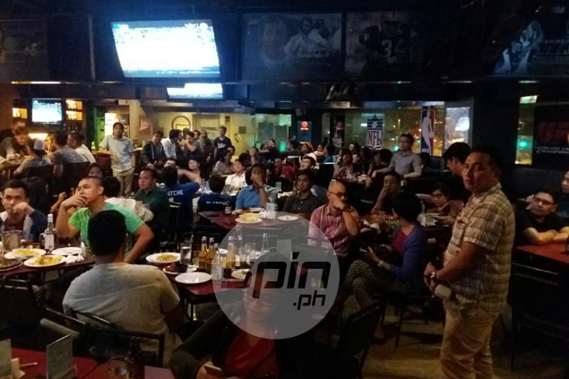 Fans brave traffic, heavy downpour to watch Gilas give France all it could handle