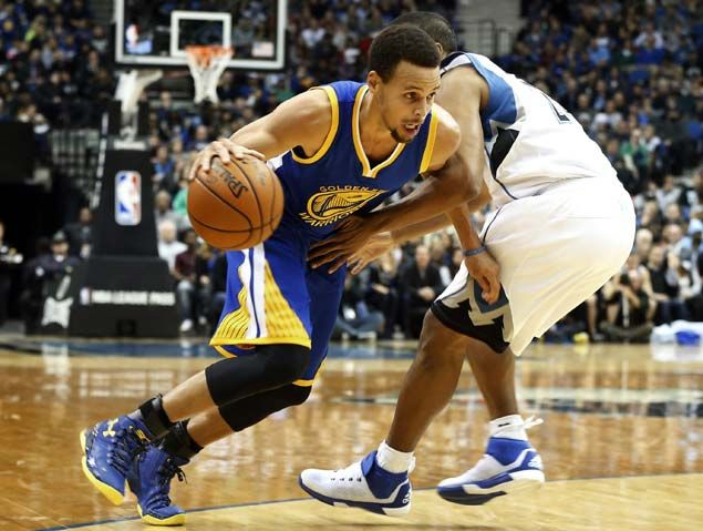 Stephen Curry inspires awe, fear as Warriors get off to best start in team history