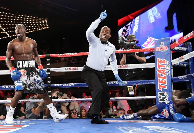 Terrence Crawford stays unblemished after five-round demolition of Henry Lundy