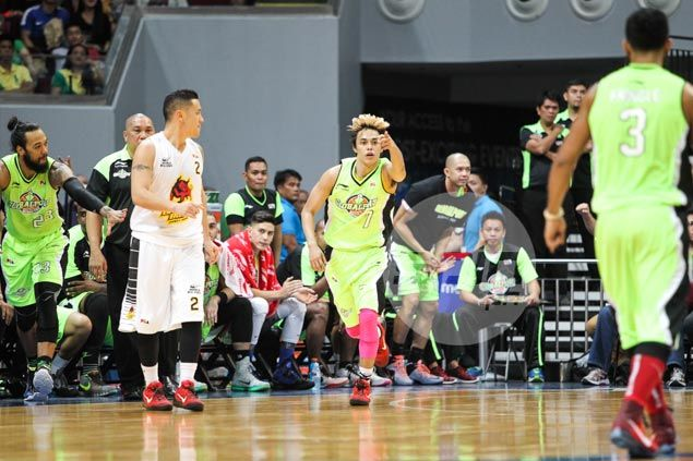 Terrence Romeo sizzling hot on Christmas Day as GlobalPort ousts Barako