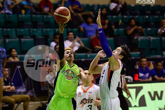 Terrence Romeo outduels Jimmy Alapag in late-game shootout as GlobalPort ousts Meralco