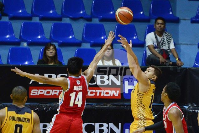 Teytey Teodoro nails go-ahead jumper as JRU nips EAC to get back on winning track