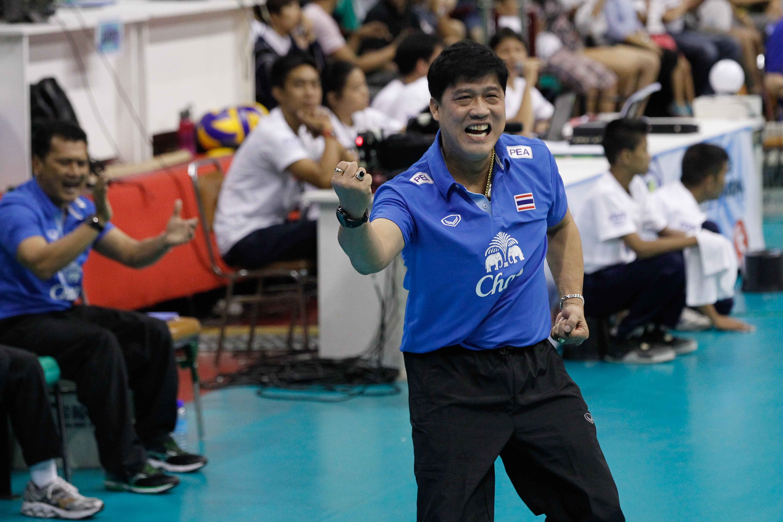 Move over, Tai. Dancing Thai national coach Nataphon threatens to steal show