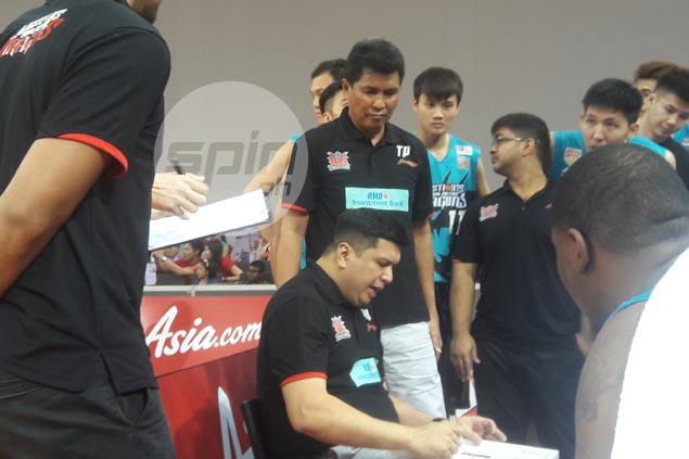 Tino Pinat says he hasn't seen a player more dedicated than college teammate Samboy Lim