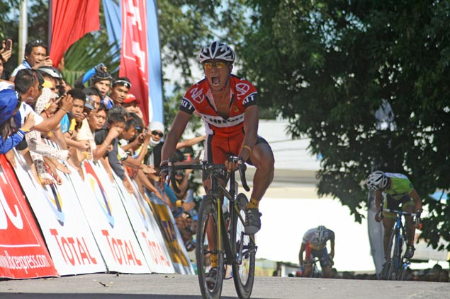 No doubting Tomas as Martinez rules Stage 6