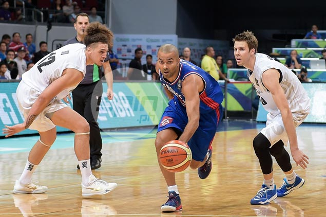 France goes on late blitz to blow past New Zealand, claim top group seeding in Fiba OQT
