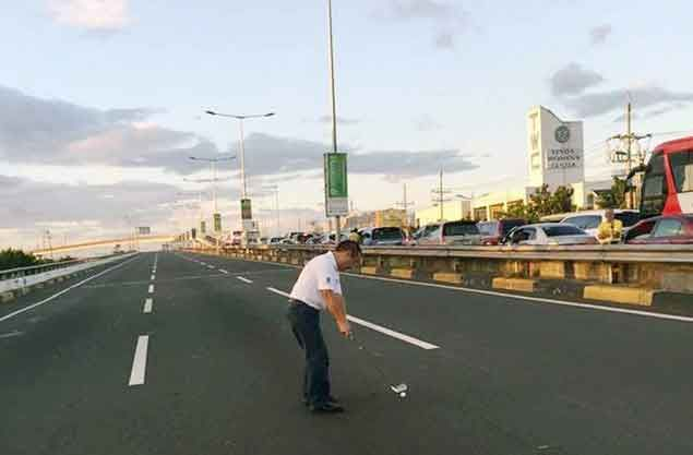 FORE: Top Gear shares photo of golfer teeing off at Skyway amid APEC gridlock