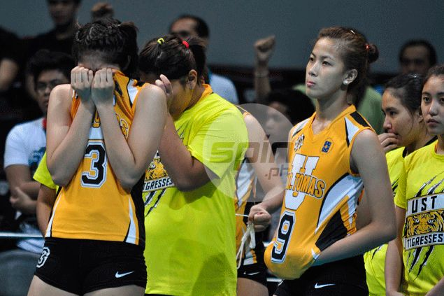 Rookie coach turns to hugot lines to avert 'too much drama' among UST Tigresses