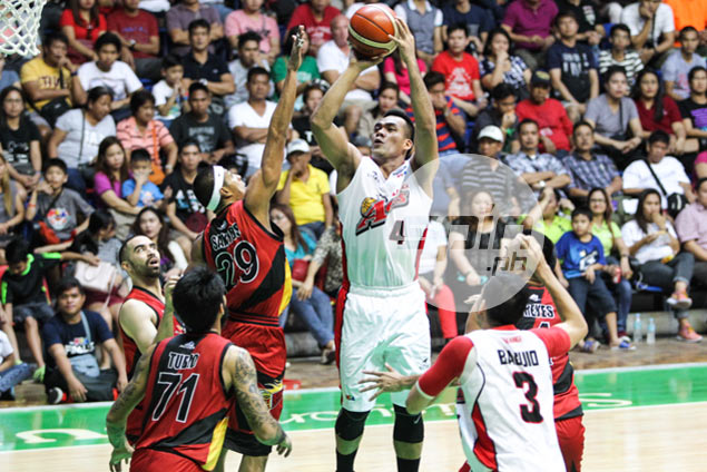 Alaska goes on late run to frustrate San Miguel, take 3-0 lead in PBA Finals