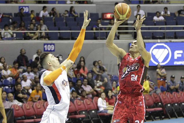Rampant Alaska blows Meralco away by 41 points in gory Halloween massacre