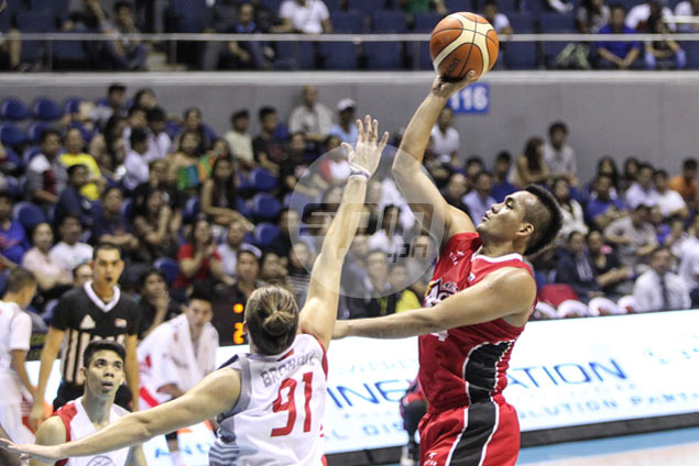 Alaska makes it three wins in row as Edwards, Manuel preside over rout of Phoenix