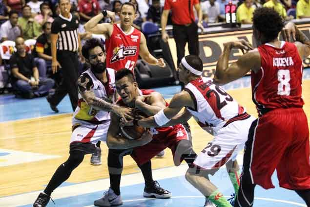 Vic Manuel stands tall in endgame, helps Alaska take 2-0 lead over San Miguel