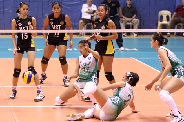 UST lady spikers recover composure just in time