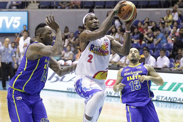 Rain or Shine win over Blackwater doesn't stop Yeng Guiao from taking shot at PBA referees