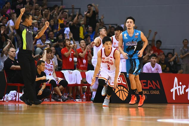 Buzzer-beating Wei Long basket enables Slingers to beat Dragons, send ABL Finals to Game 5