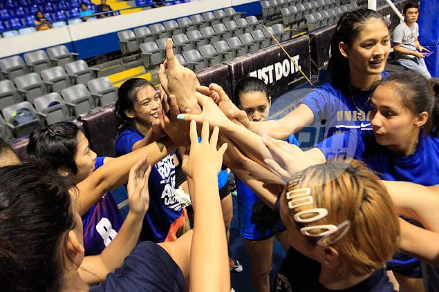 PH team of celebrated volleyball players in high-noon SEAG test against Indonesia