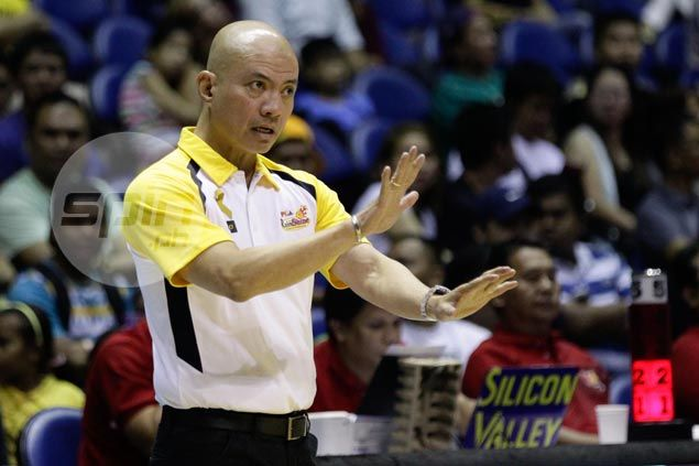 RoS coach Yeng Guiao sticking to what works, expects SMB to mix things up on offense as semis begin